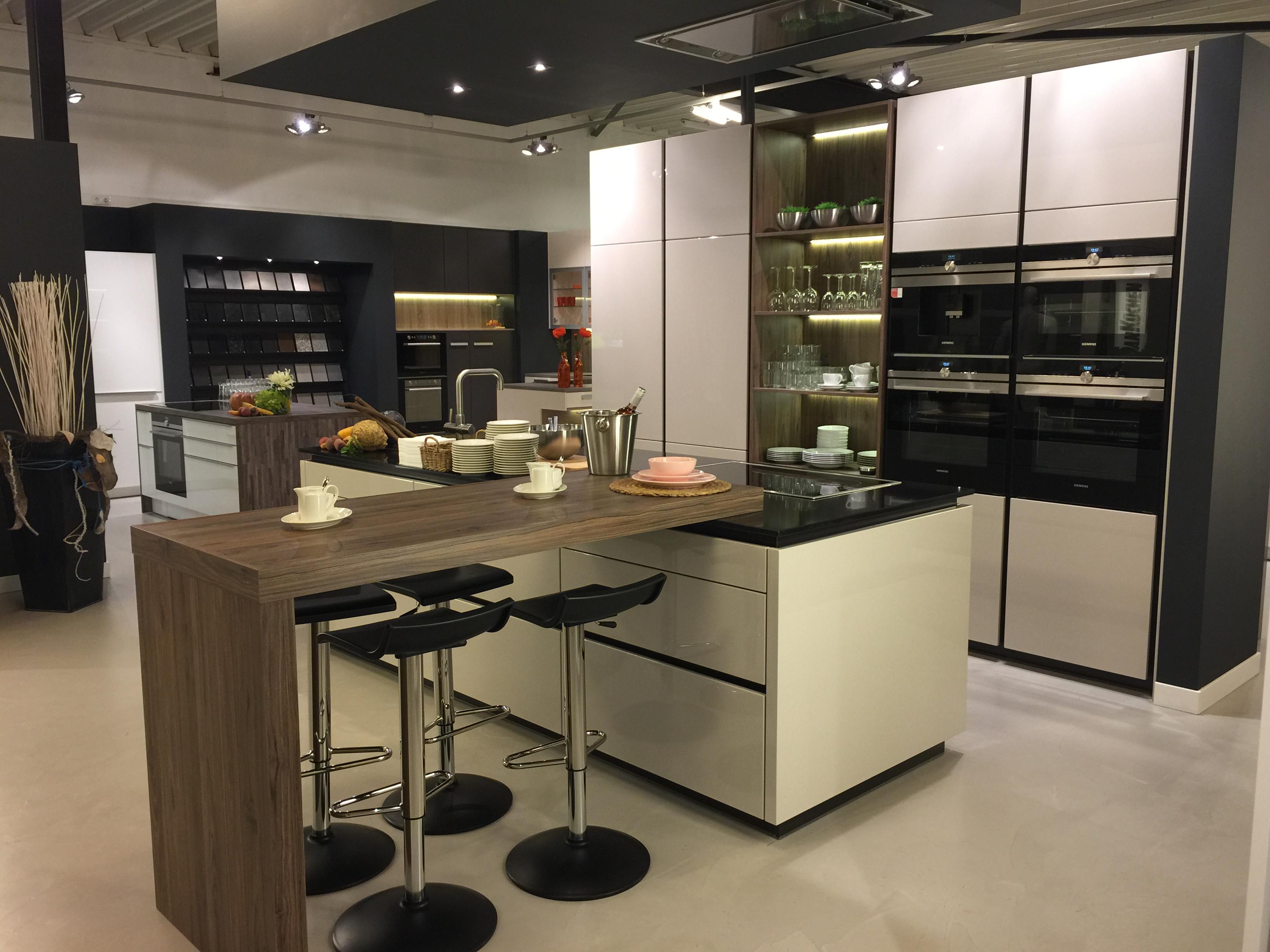 Dan k chen kunststof aanrechtbladen product in beeld startpagina voor keuken idee n uw - Bar design keuken ...