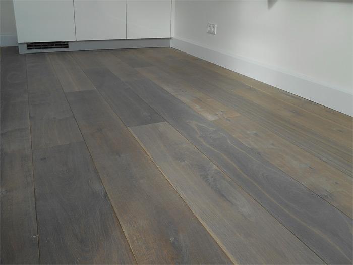 Eiken houten vloeren gerookt bax houthandel product in beeld startpagina voor vloerbedekking - Kamer parket ...