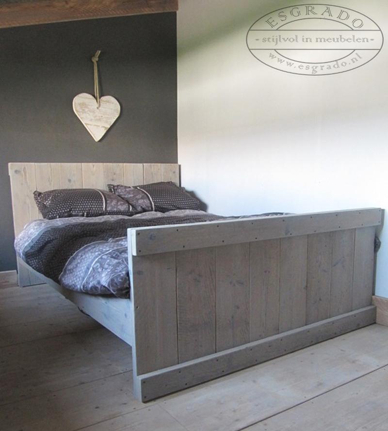 Esgrado steigerhouten slaapkamer