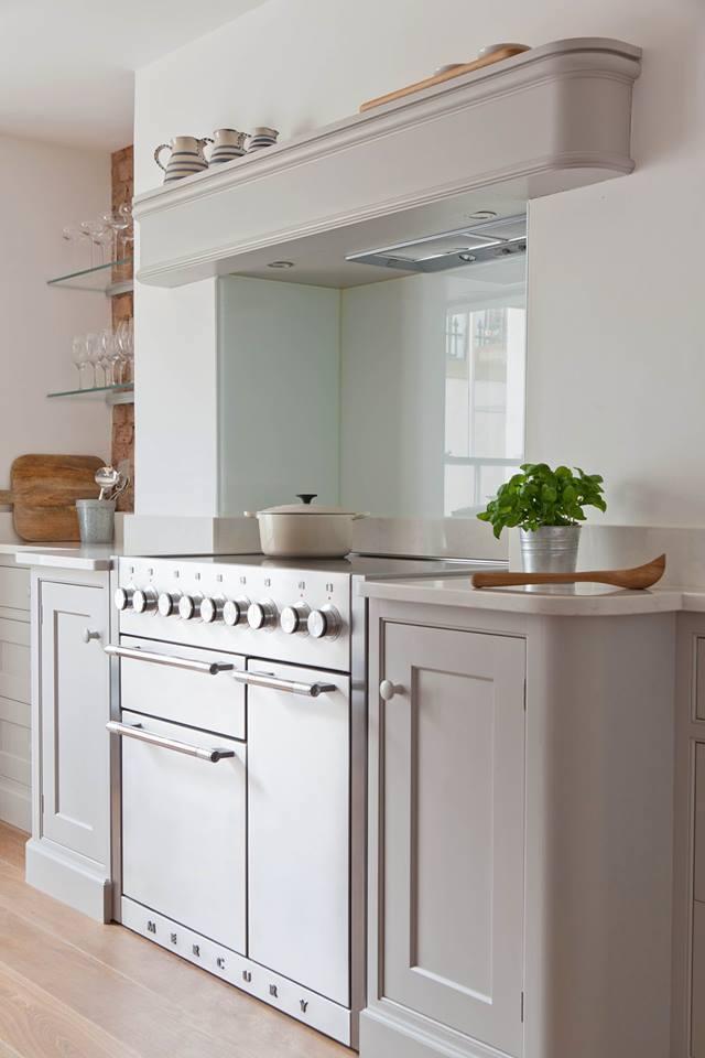 Modern fornuis met minimalistische look