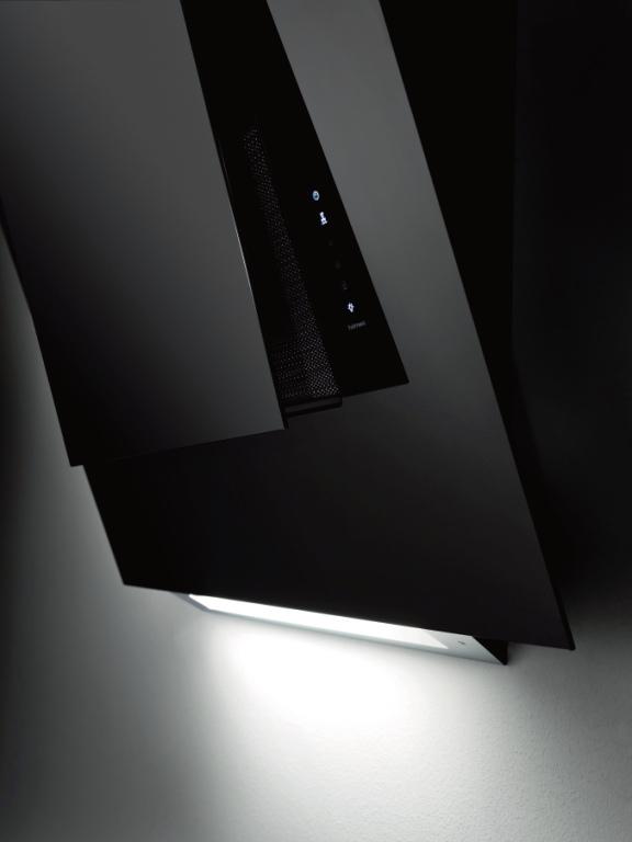 Schuine afzuigkap van zwart veiligheidsglas | Falmec