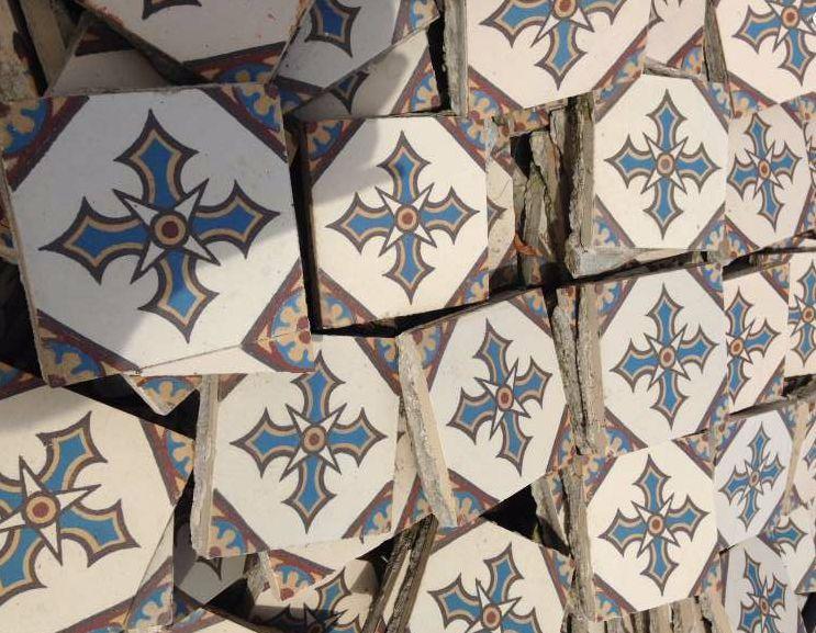FLOORZ Antieke keramische vloertegels   Product in beeld   Startpagina voor vloerbedekking