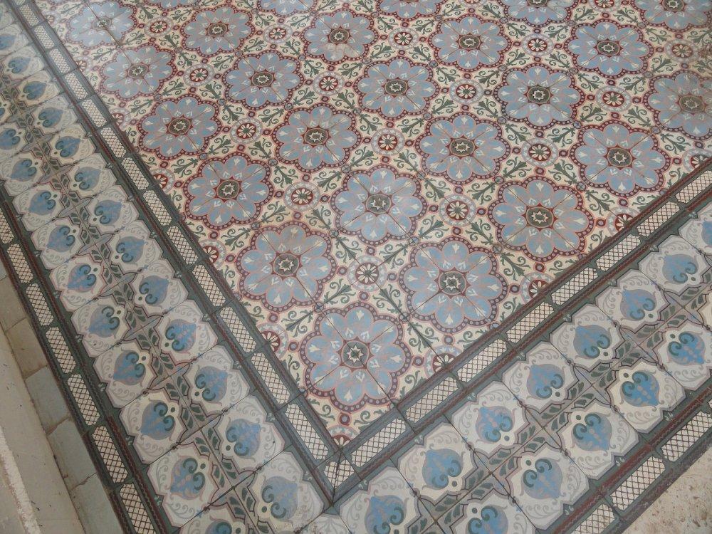 FLOORZ Antieke tegels   Product in beeld   Startpagina voor vloerbedekking idee u00ebn   UW vloer nl