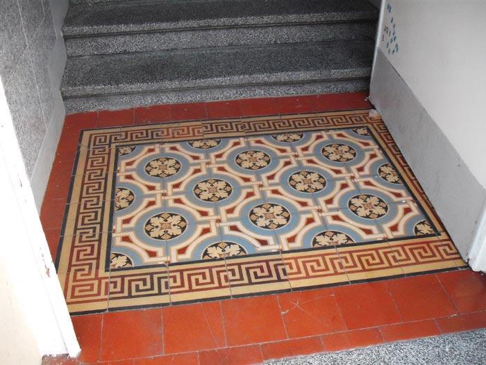 FLOORZ  Oude,antieke tegels   Product in beeld   Startpagina voor vloerbedekking idee u00ebn   UW