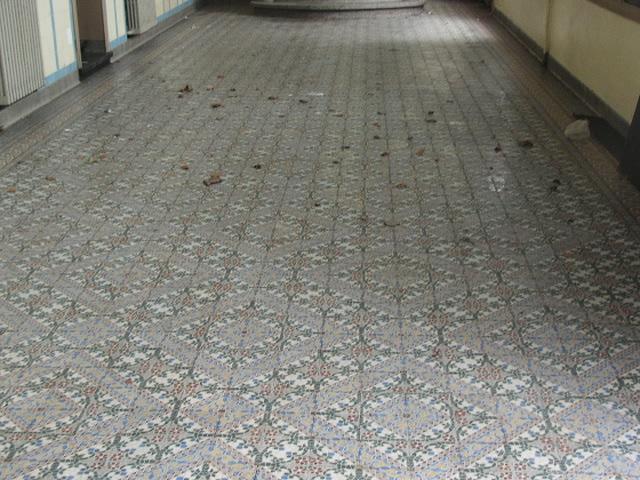 Toegepaste oude vloertegels grootste collectie oude gietijzeren