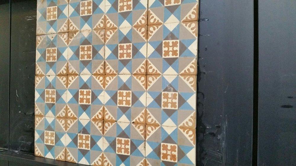 FLOORZ- Oude tegels C170