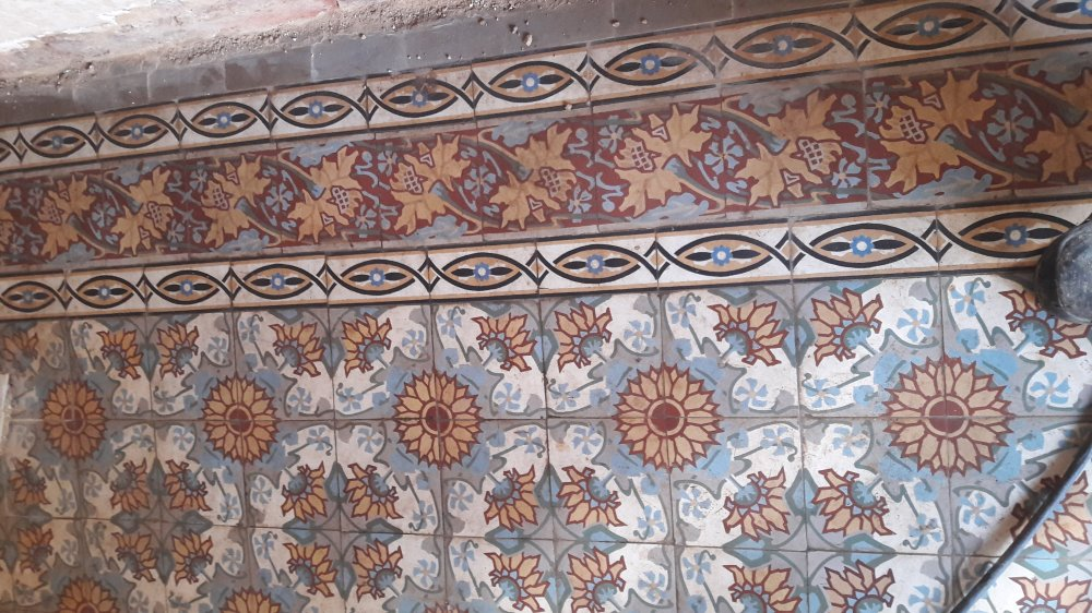 FLOORZ-Oude tegels uit Frankrijk