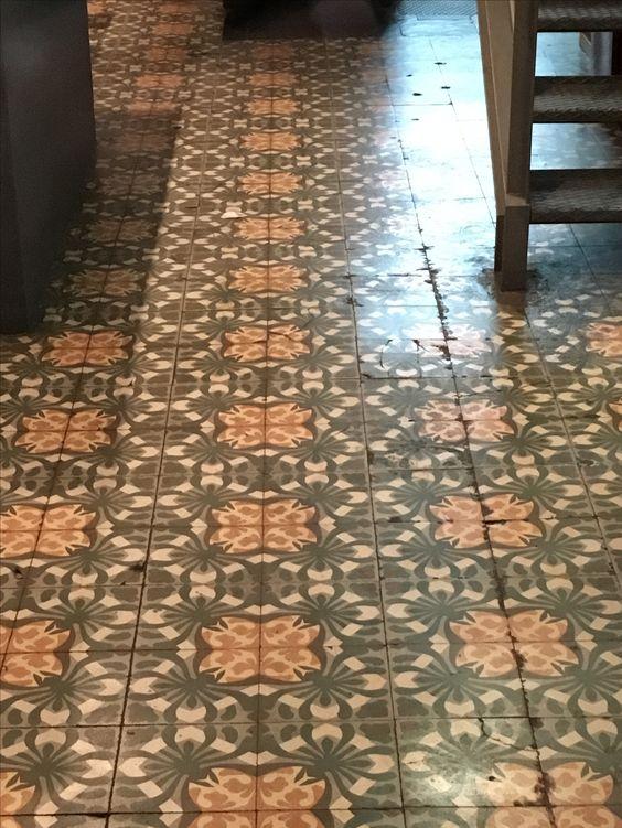 FLOORZ- Oude vloertegels