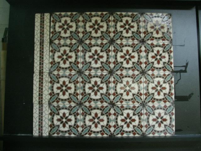 FLOORZ-Oude vloertegels C149