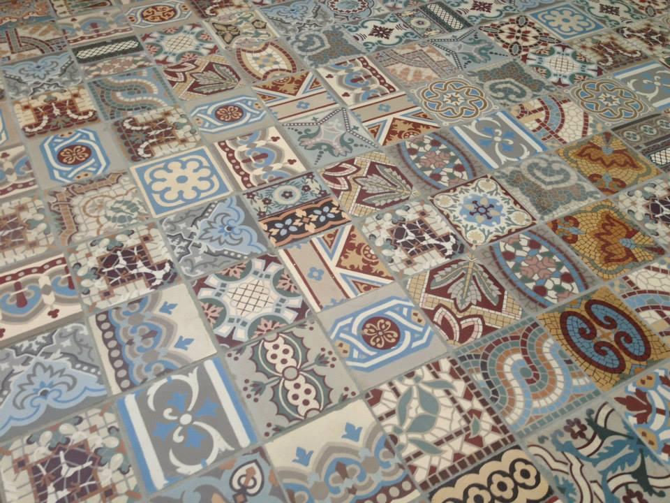 Vloerbedekking Met Motief : Floorz patchwork antieke motieftegels product in beeld