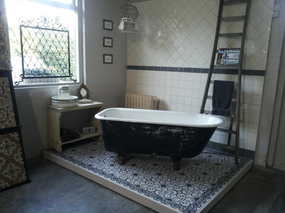 Floorz portugese cementtegels badkamer product in beeld startpagina voor vloerbedekking - Tegelvloer badkamer ...