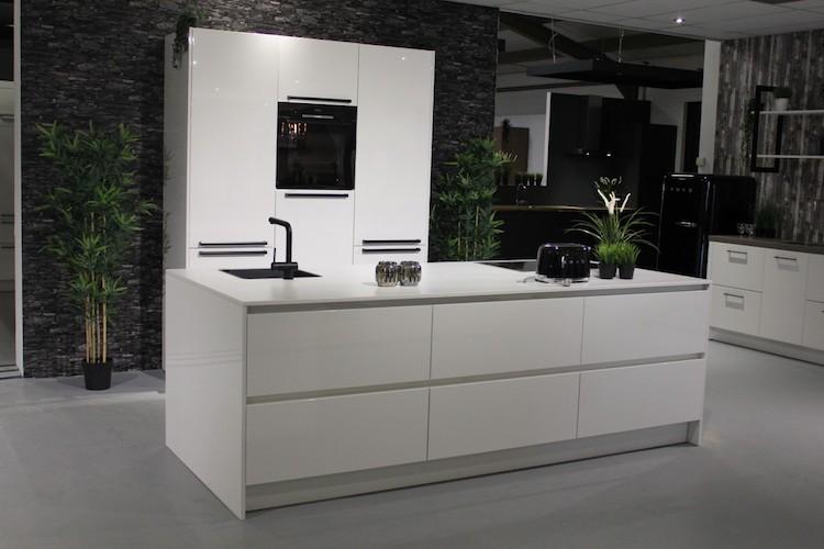 Hoogglans Wit Keuken : Moderne houten keuken hoogglans wit uw keuken
