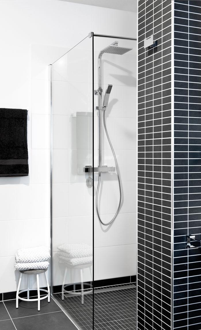 Betonlook Verf Badkamer ~ badkamers toiletten geplaatste bad&body D showroom voor badkamers