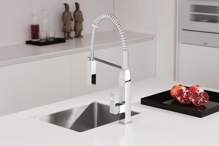 Keukenkraan met minimalistische vorm