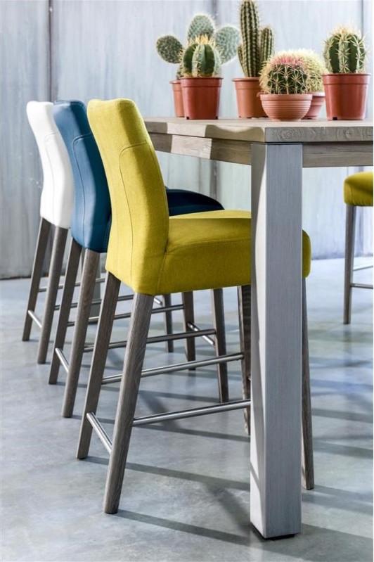 Henders hazel barkrukken product in beeld - Chaise de couleur design ...
