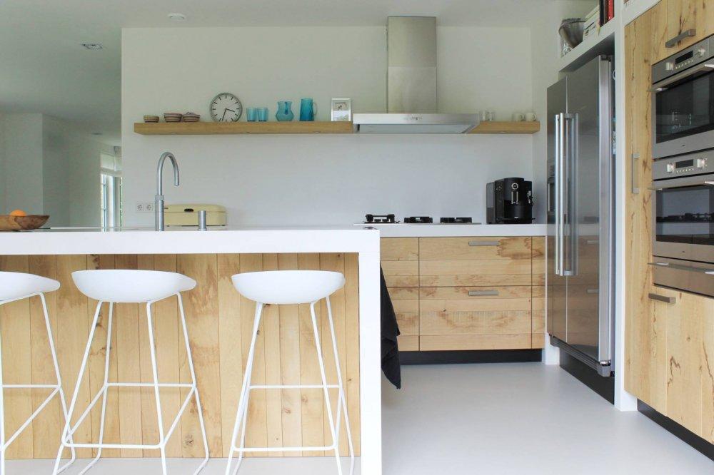Houten keuken ruw eiken met Silestone