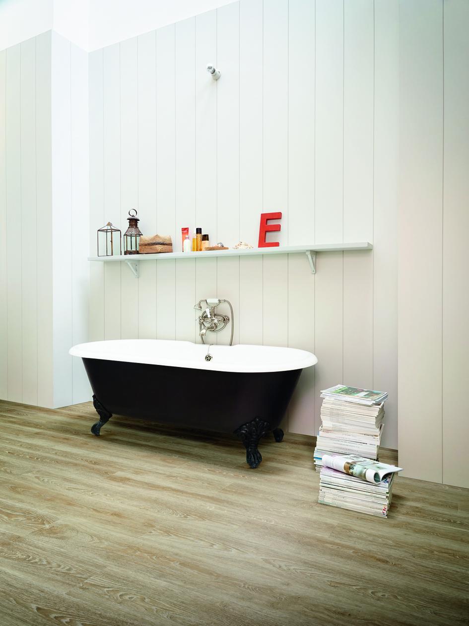 39 houten 39 vinylvloer in de badkamer product in beeld startpagina voor vloerbedekking idee n - Badkamer houten vloer ...