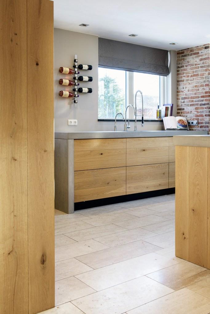 JP Walker keuken greeploos eiken met beton