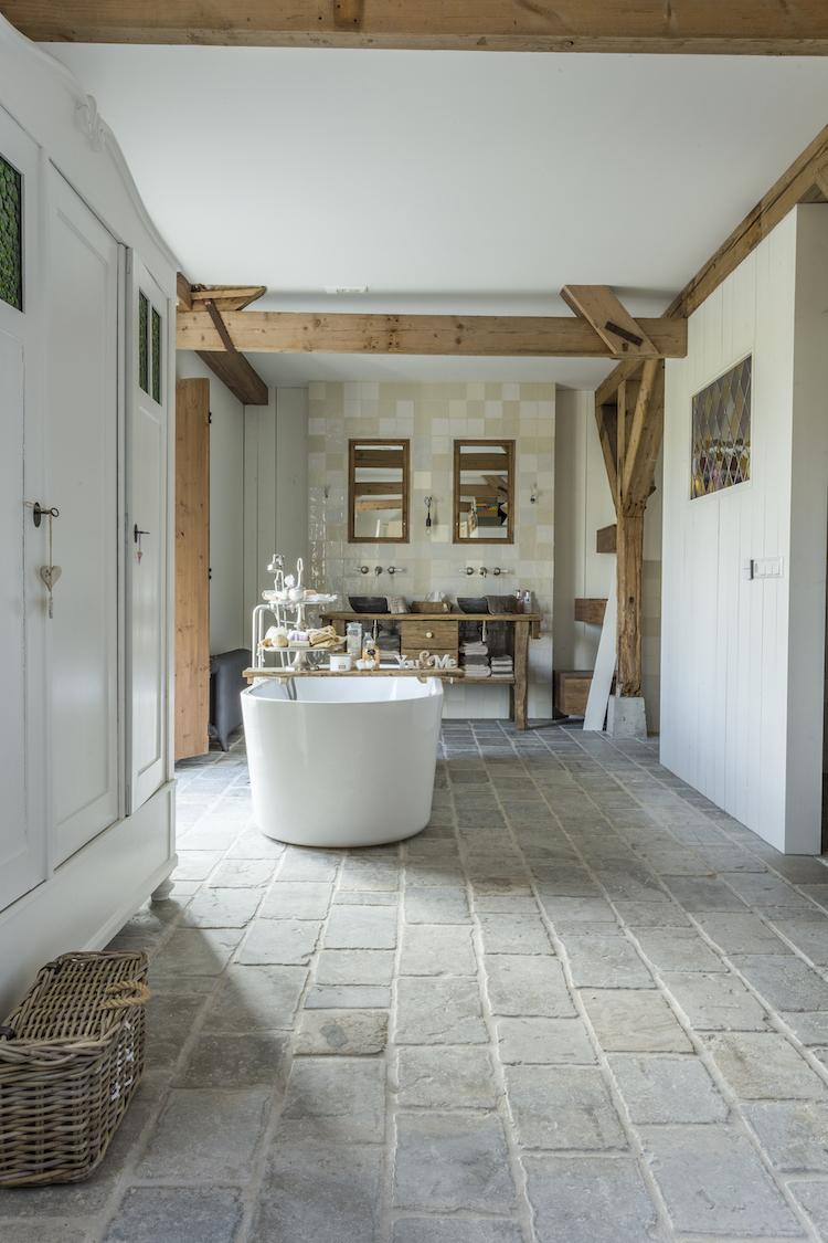 Natuurstenen badkamervloer | Kersbergen Natuursteen