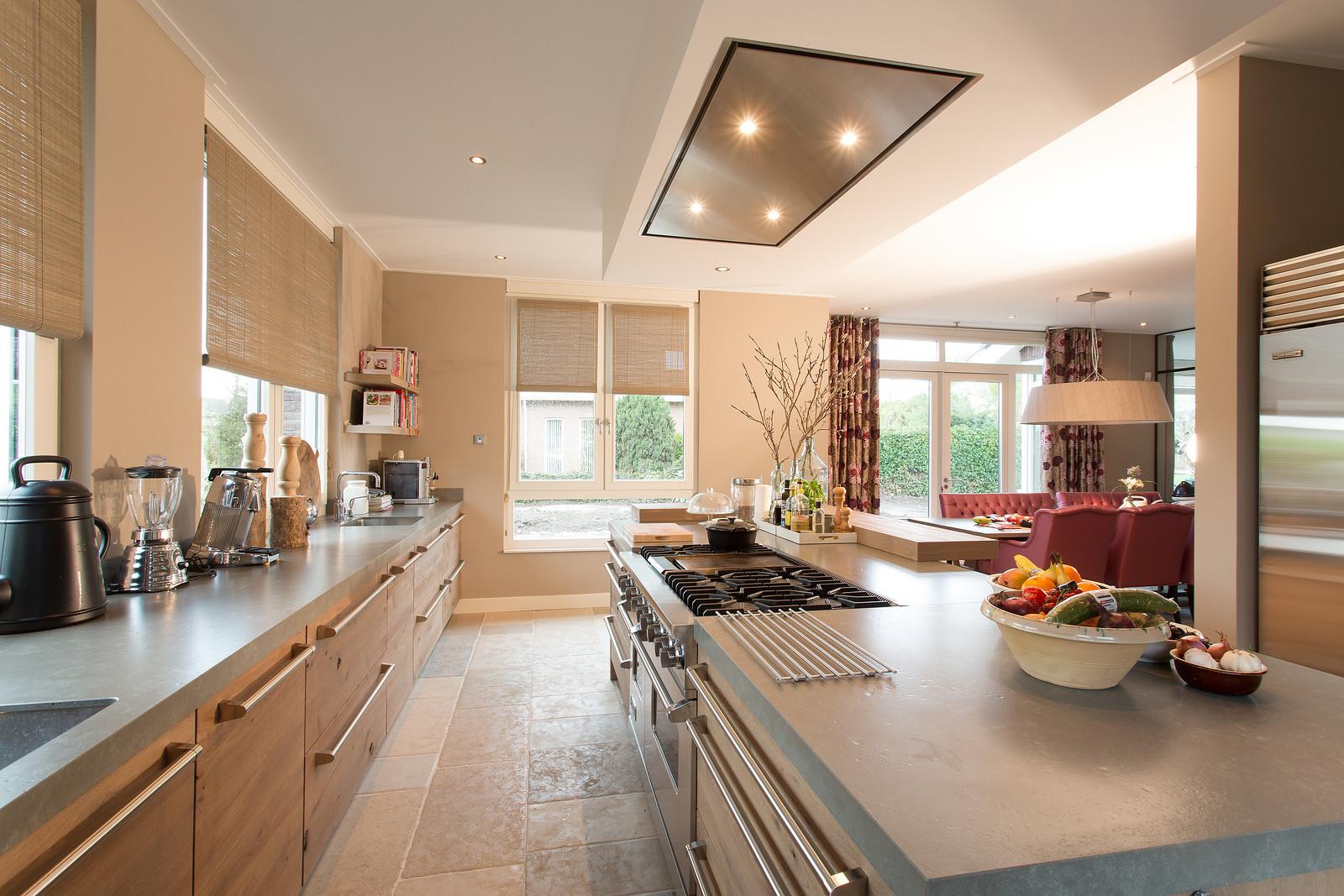Keuken in landelijke stijl van tieleman keukens product in beeld startpagina voor keuken - Lounge en keuken in dezelfde kamer ...