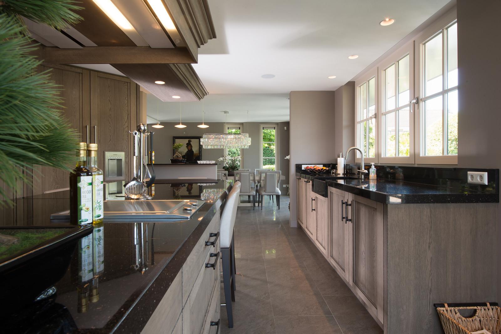 Keuken in landelijke stijl van Tieleman Keukens