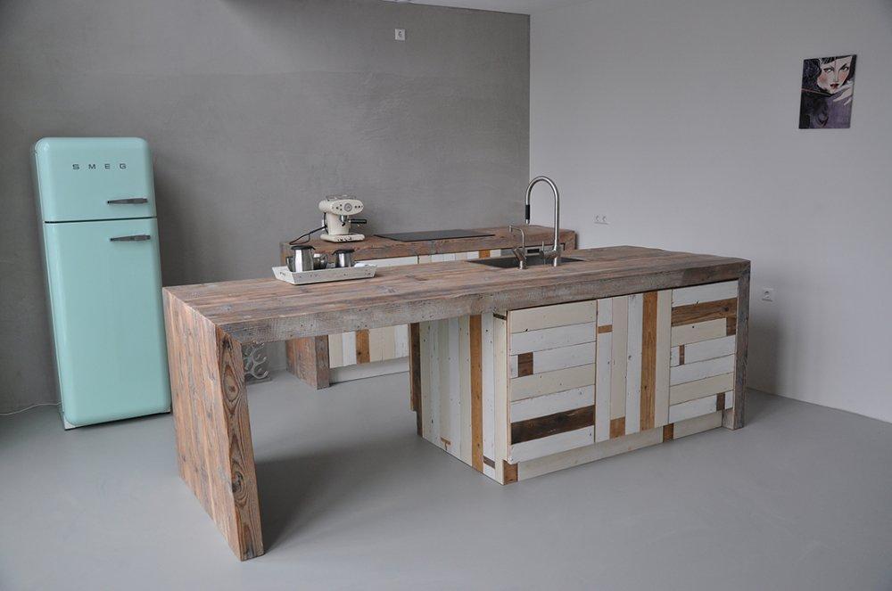 Keukens van sloophout restylexl product in beeld for Keuken van sloophout