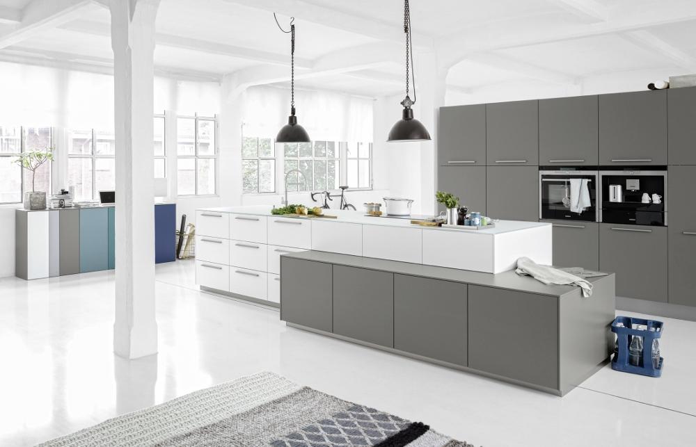 Kookeiland Stopcontact : Keukenspecialist Logic kitchen wit/grijs – Product in beeld