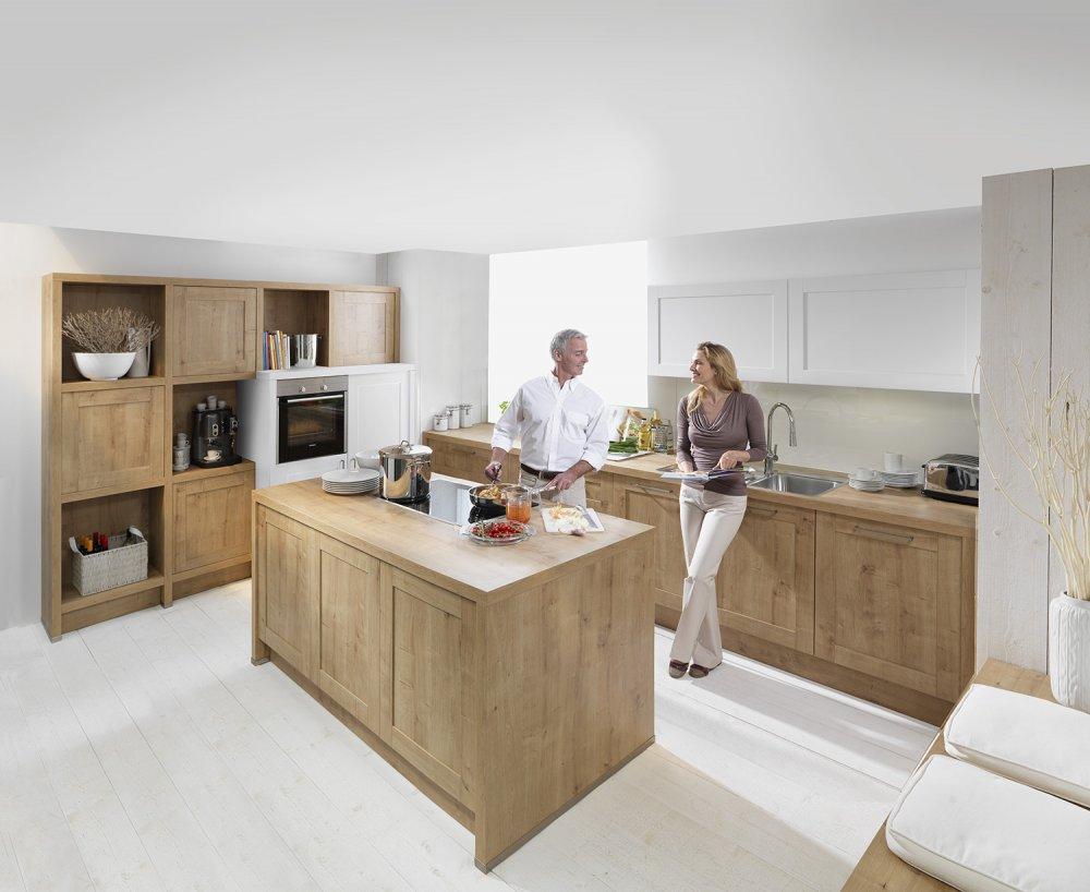 Logic keuken hout en wit