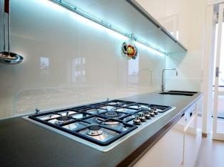 Kitchen Restyle keukenrenovatie achterwanden