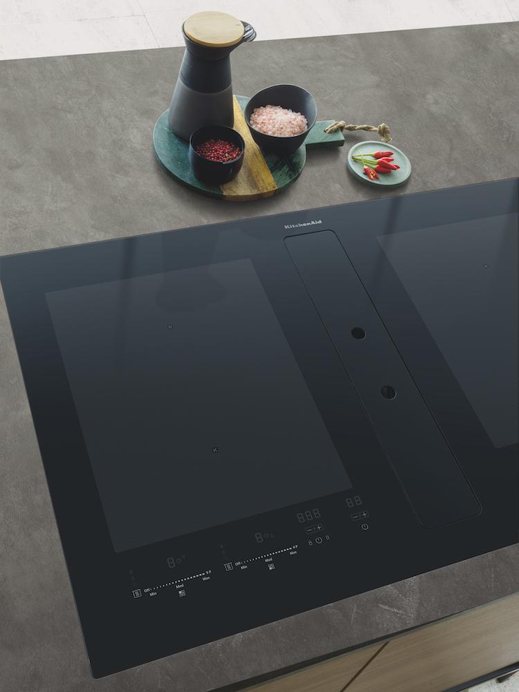Inductiekookplaat met geïntegreerde afzuiging | KitchenAid | KHIVF 90000