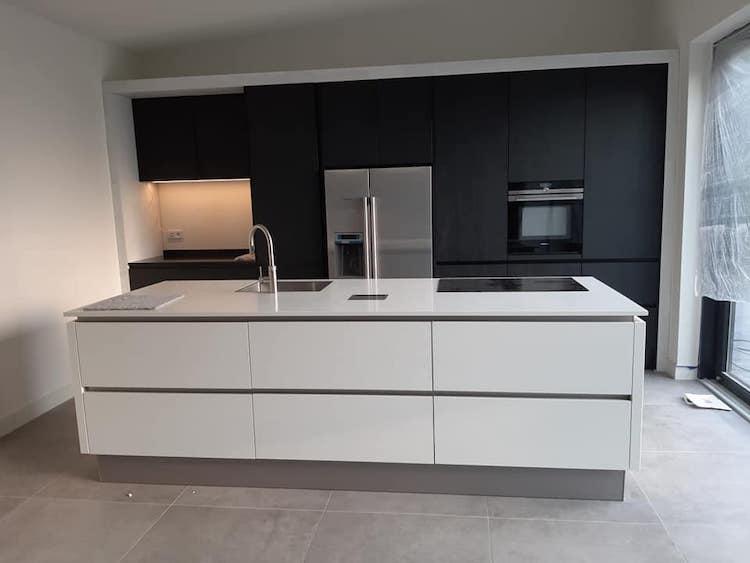 Moderne keuken met kookeiland | Kuhlmann Keukens