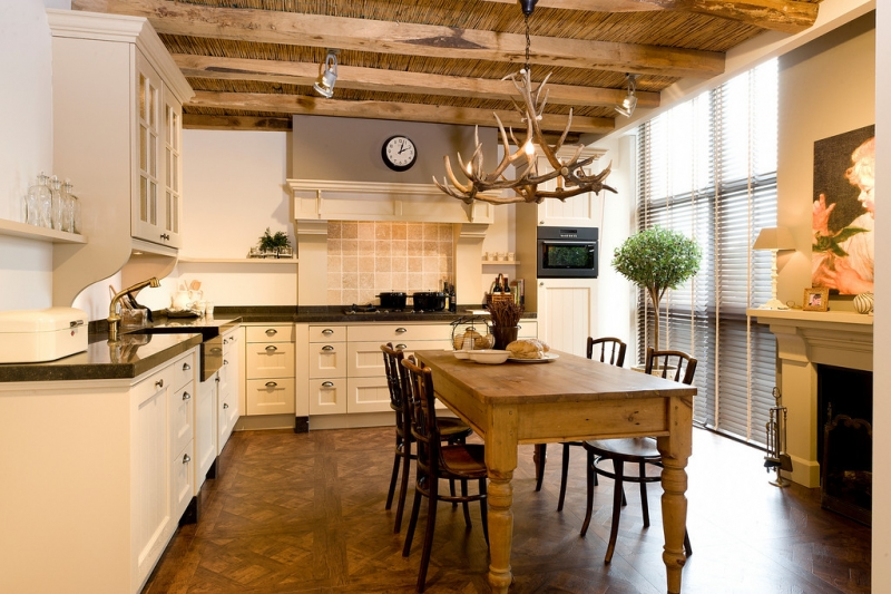 Engelse Landelijke Keukens : Tieleman Exclusief Kent, handgemaakte landelijke keuken