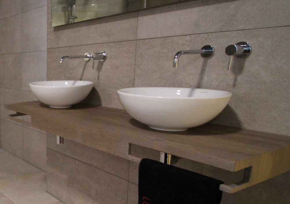 Luca Wood eiken wastafelbladen op maat - Product in beeld ...