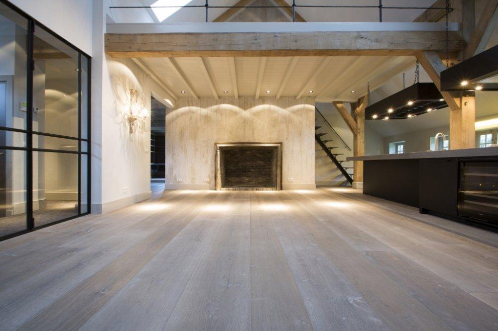 Martijn de wit vloeren white wash houten vloeren product in beeld startpagina voor - Houten vloeren ...