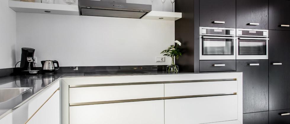 Mereno Keuken Milano greeploos en zwevend