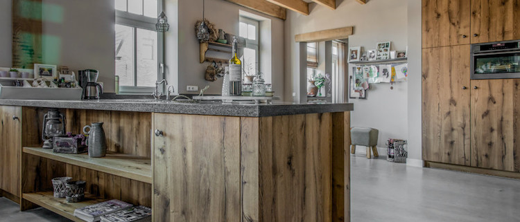 Landelijke houten keuken wild fineer eiken