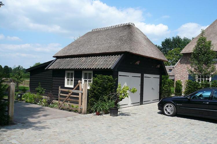 Garage met rietendak | MG Houtbouw