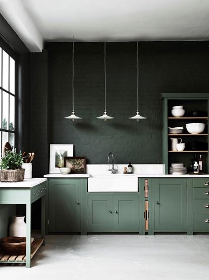 Neptune Suffolk keuken by Martin Zoon Interior Design stoer in groen