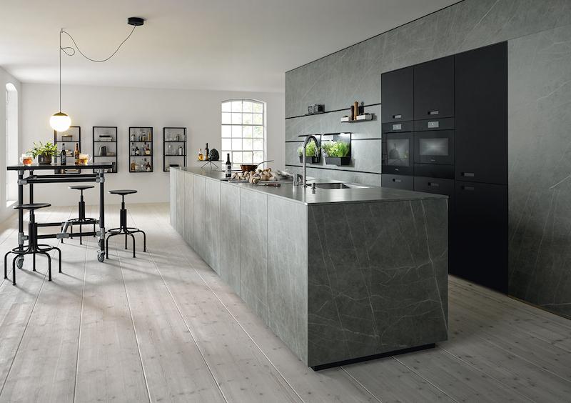 Strakke Design Keukens : Strak gelijnde design keuken marmerlook product in beeld