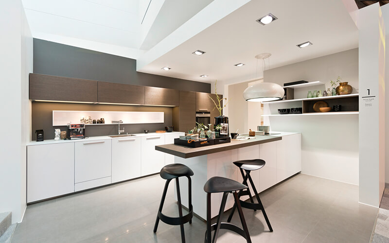 Hoogglans Witte Keuken : Hoogglans witte keuken met hout product in beeld startpagina