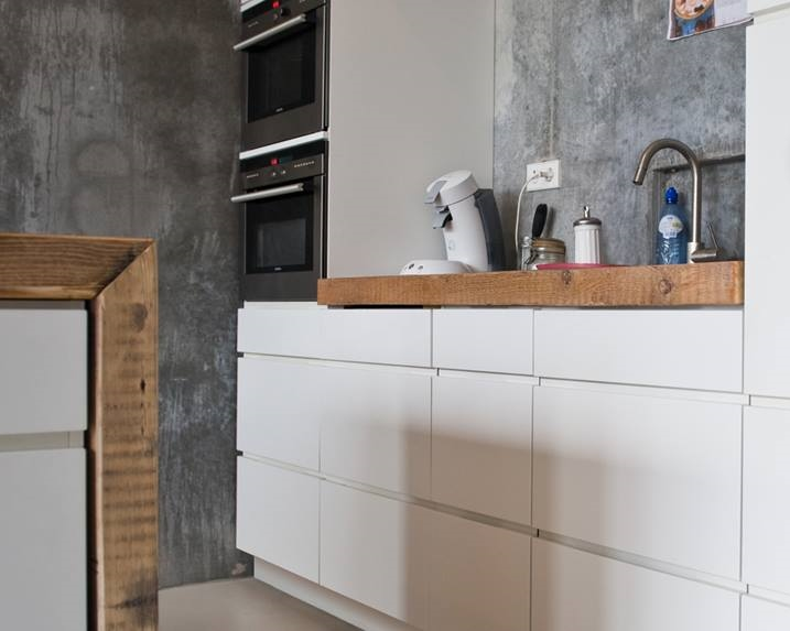 Hoogglans Witte Keuken Met Houten Blad : keuken model next125 greeploos zeyko keuken planeo asteiche vari