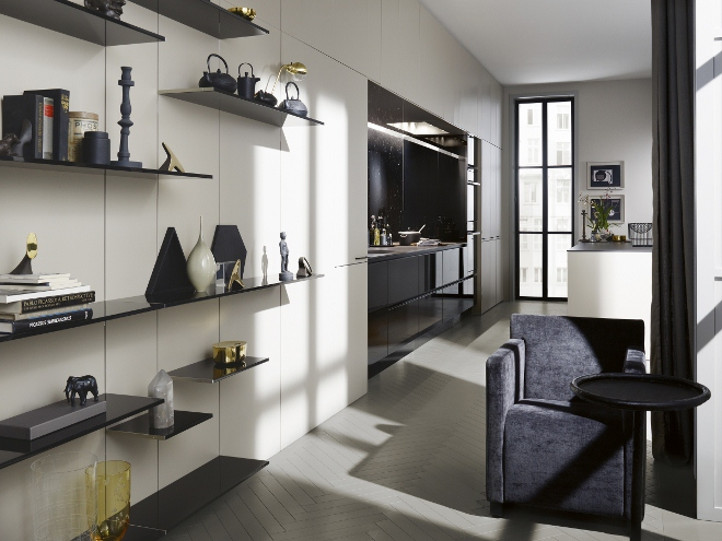 siematic floatingspaces wandsysteem product in beeld. Black Bedroom Furniture Sets. Home Design Ideas