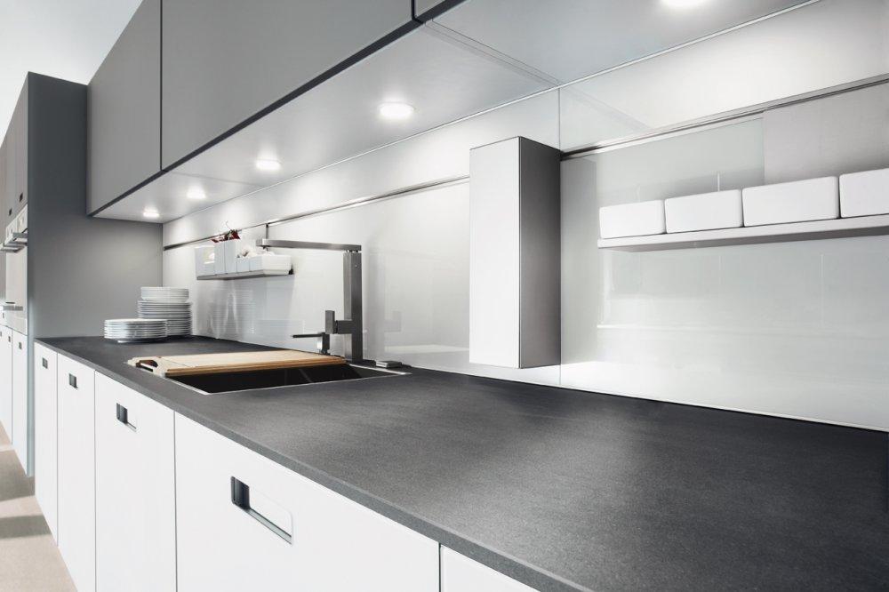 Next125 nx902 steengrijs glas mat wandhangend product in beeld startpagina voor keuken for Keuken met glas