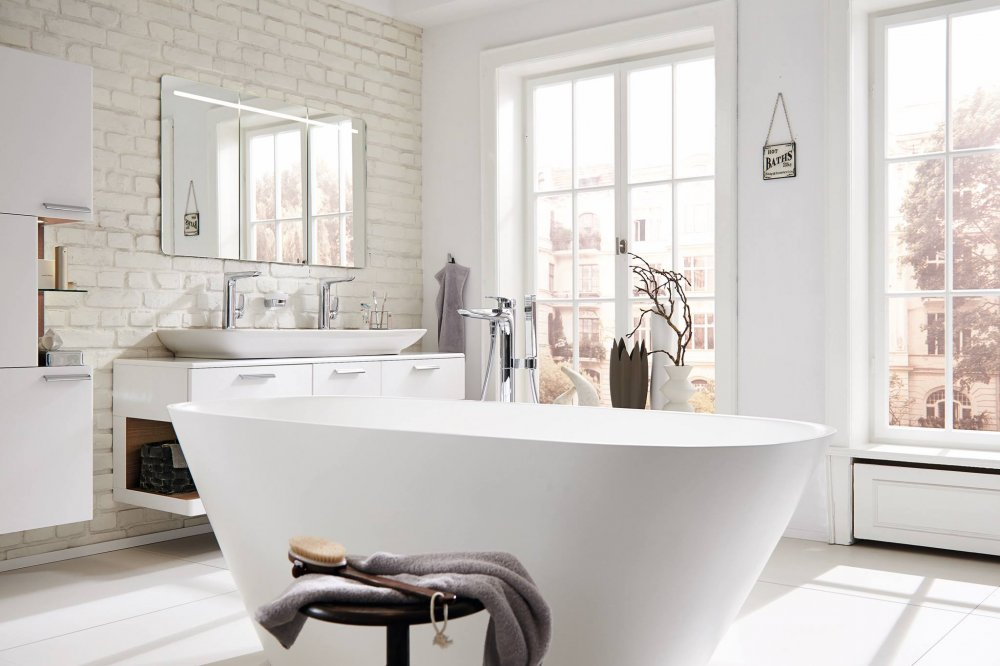 Badkamer Vrijstaand Bad : Frisse moderne badkamer met vrijstaand bad badkamers