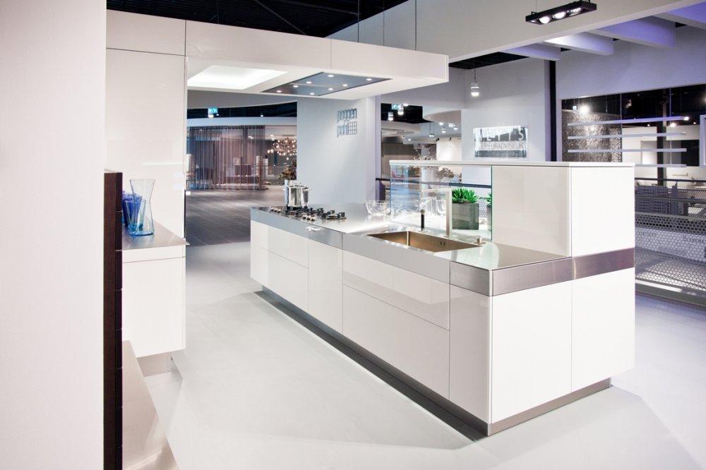 Poggenpohl modern artesio product in beeld startpagina voor keuken idee n uw - Dimensie centraal keuken eiland ...