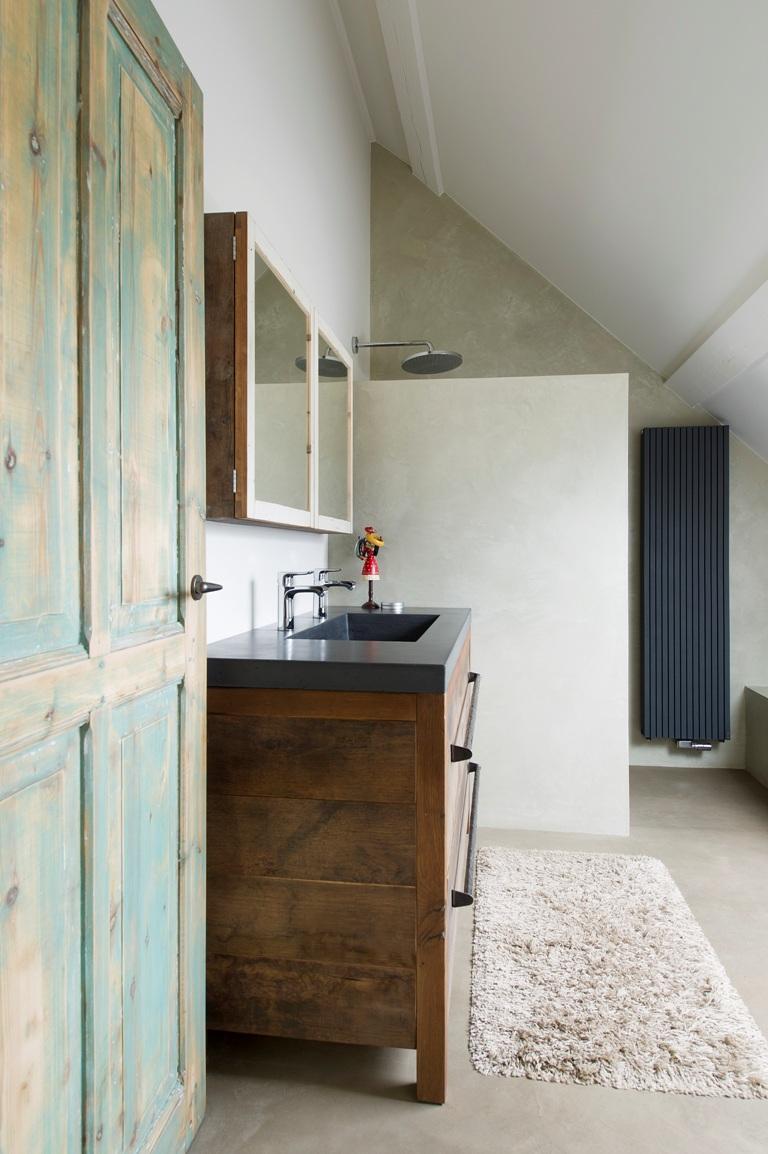 restylexl badkamermeubel van oud eiken en beton product in beeld