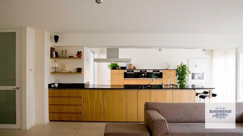 Leefkeuken met groot kookeiland