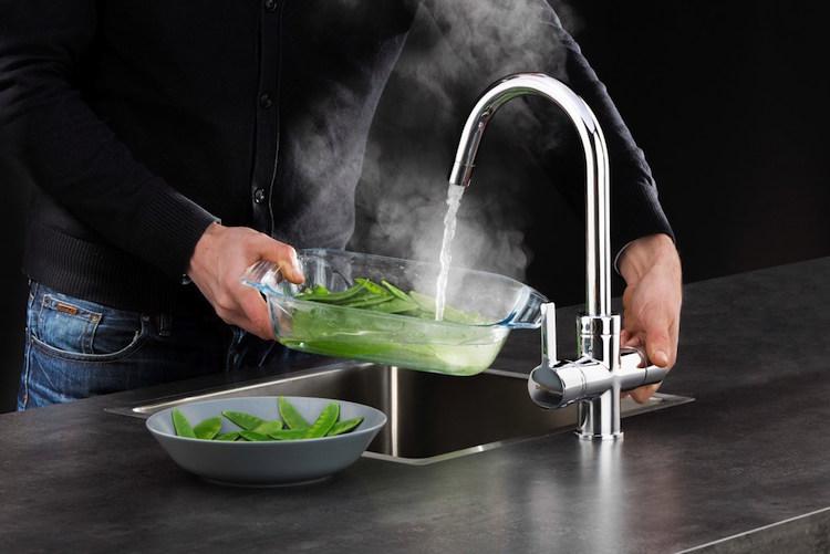 Veiligheid Van Kokendwaterkranen : Draaibare kokendwaterkraan uw keuken.nl