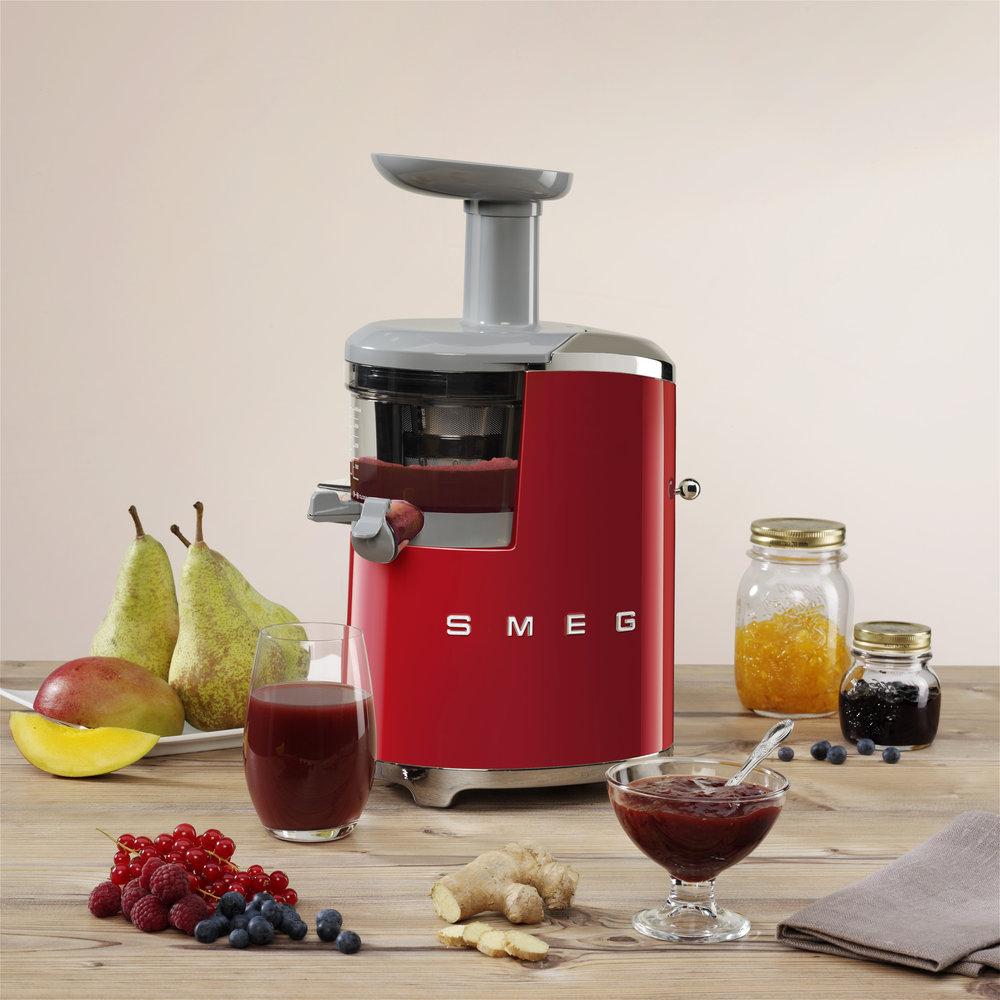 SMEG Slowjuicer SJF01 - Product in beeld - Startpagina voor keuken idee?n UW-keuken.nl