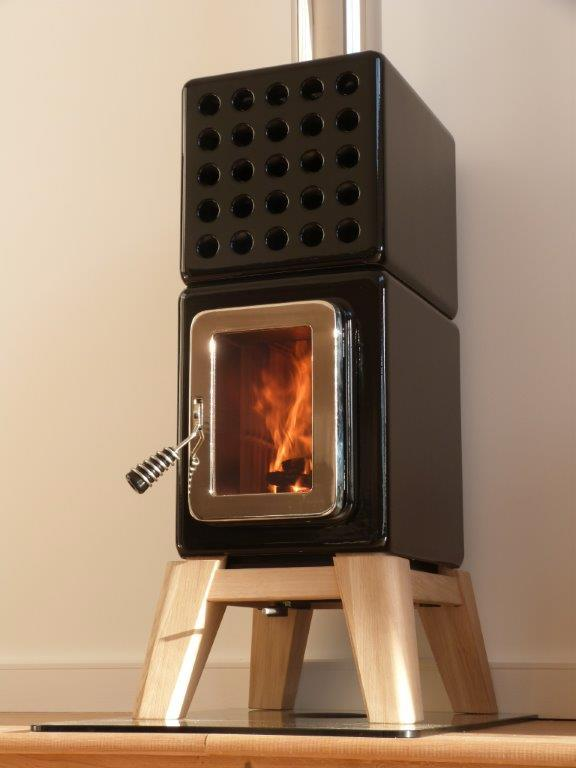 Design houtkachel in zwart keramiek | Stack Stoves